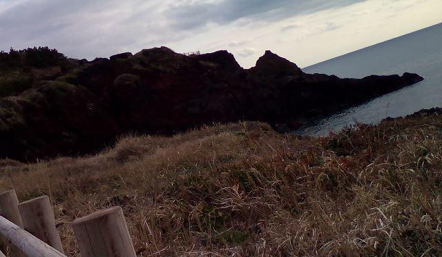 〇っぱい岩